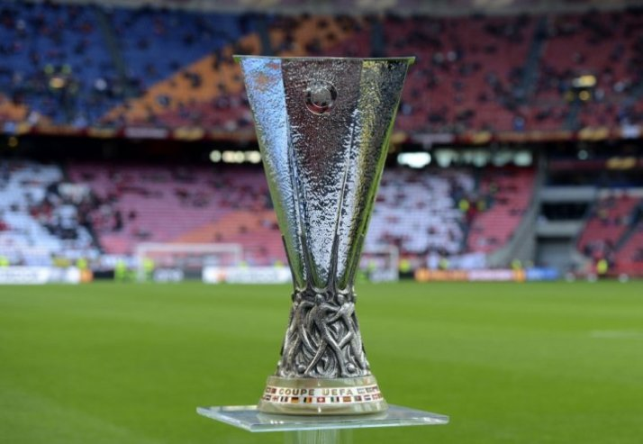 uefa-europa-league-trophy